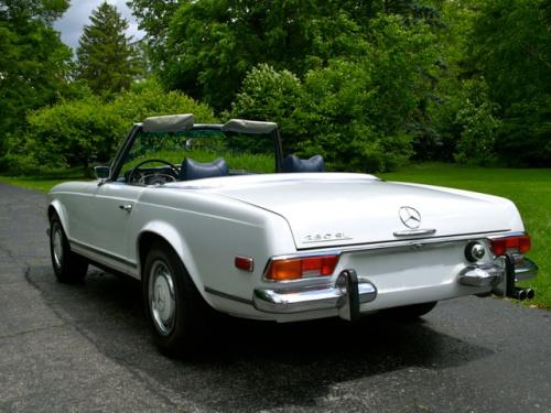 Mercedes SL, mercedes benz museum, mercedes 280SL, mercedes 230sl, w113, mercedes pagoda, 280 sl