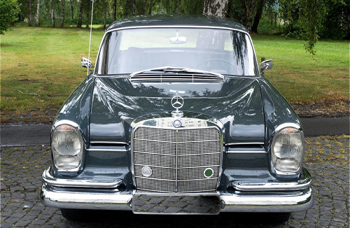 Mercedes W111, mercedes-benz museum, mercedes s-class, mercedes fintail