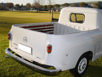 Mercedes 180D Bakkie